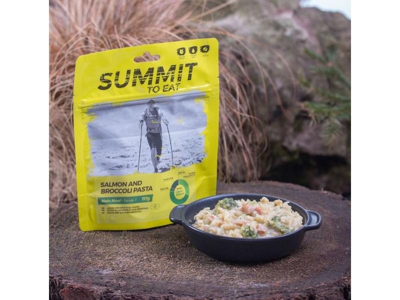 výživa - SUMMIT TO EAT - Losos s těstovinami a brokol.